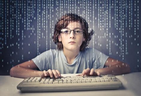 niños aprendiendo a programar