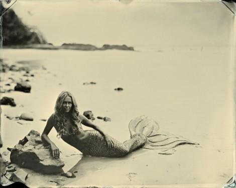 Kazzie Mahina, MErfin, urban outfitters, sirena, mermaid